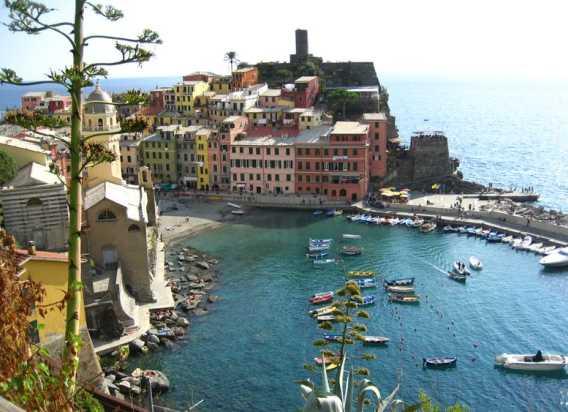 To Indulge In The Local Cuisine Amalfi Coast